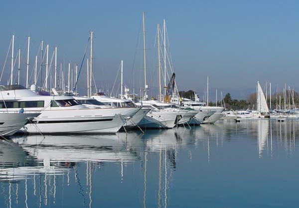 Charter Yachts and Boats